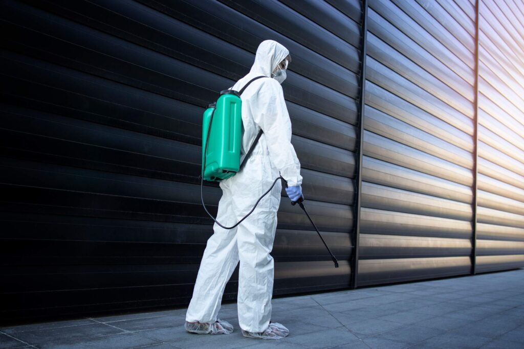 pest control with sprayer kill insects rodents